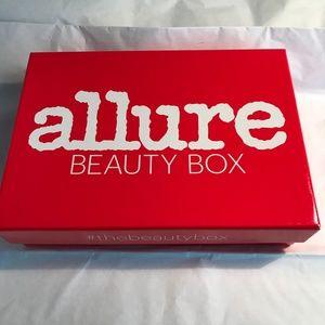 NEW Allure December 2018 Beauty Box!